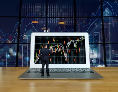 gettyimages 588570312 5bf3145246e0fb0051270306 - The Best Tools For Faster Trading